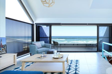 Pacific Dawn Luxury Beachfront Apartment 1